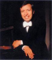 美国钢琴家默里·佩拉希亚 - 山峰 - 天艺专业钢琴艺术学校