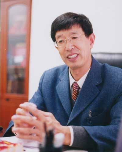 山东省烟台市政协委员,山东省肢残人协会副理事长-王江民