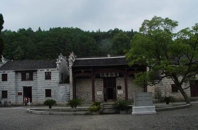 龙江书院正门
