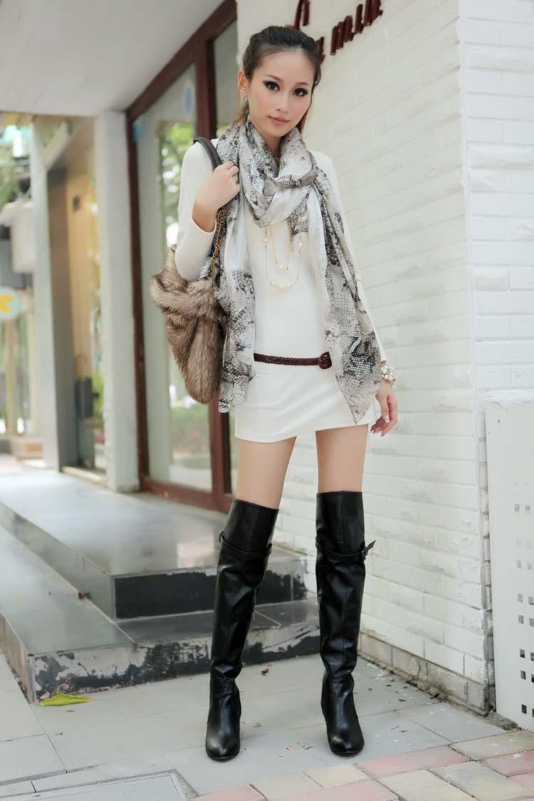 美女街拍丝袜高跟鞋长靴;