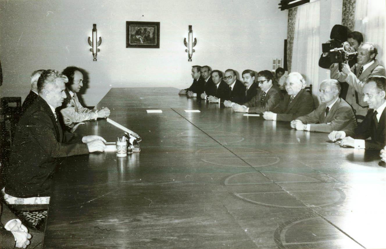 乔桑会晤西班牙王国议会代表团图片
