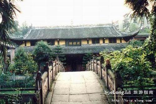 莲花山圣水寺图片