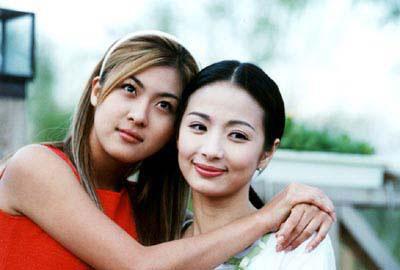 希婷-河智苑饰(左)秀婷-尹海英(右)