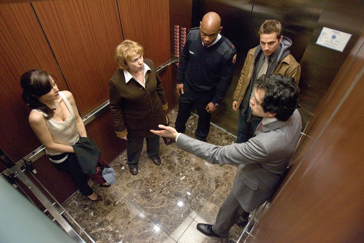 老師與學生在電梯里_電梯里的惡魔 扶梯廠家 扶梯廠價直銷 富士扶梯 4006783008