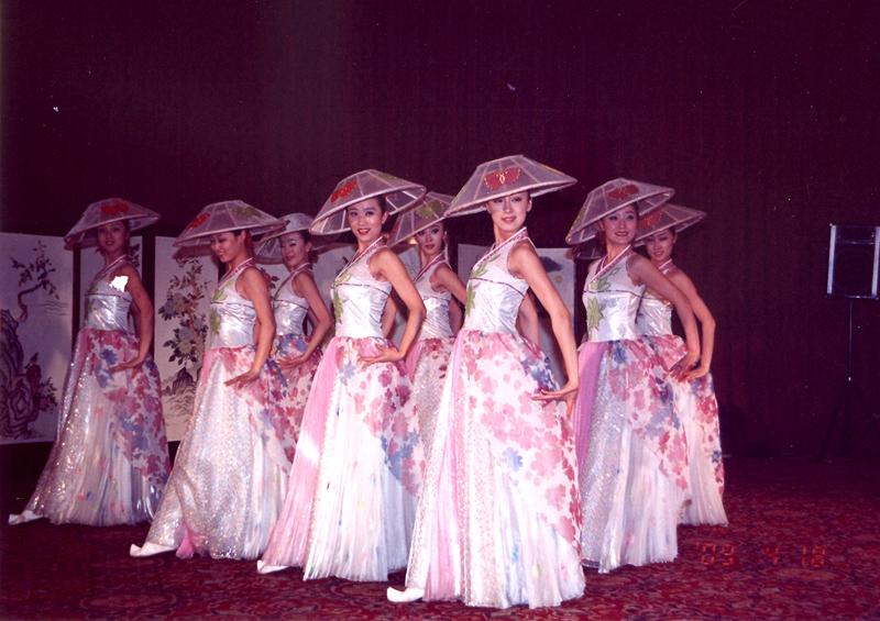 歌舞团洗浴低俗表演 乡村歌舞团低俗表演 乡村歌舞团低俗表演 安徽歌