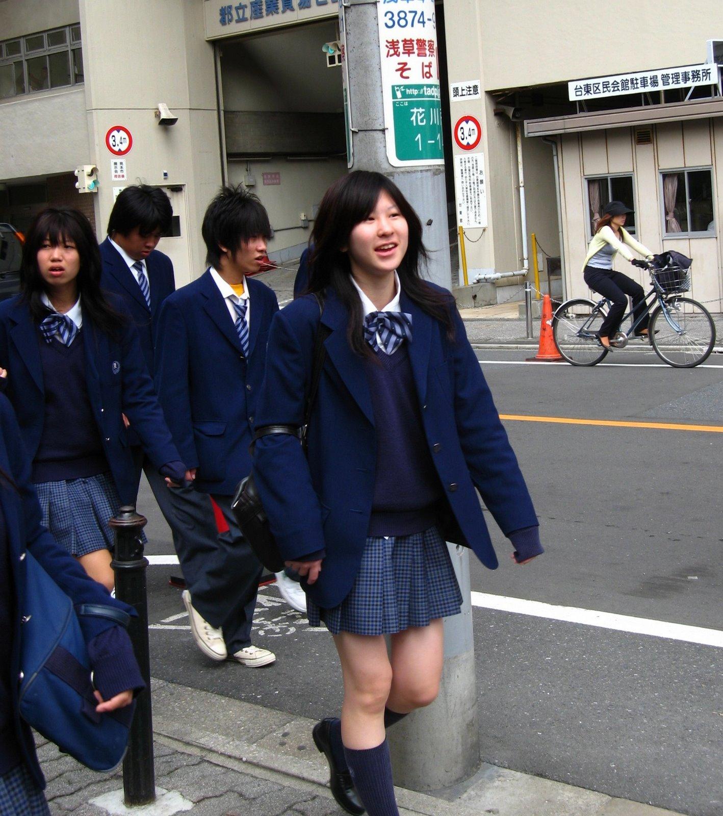 高中生入学教育视频_\