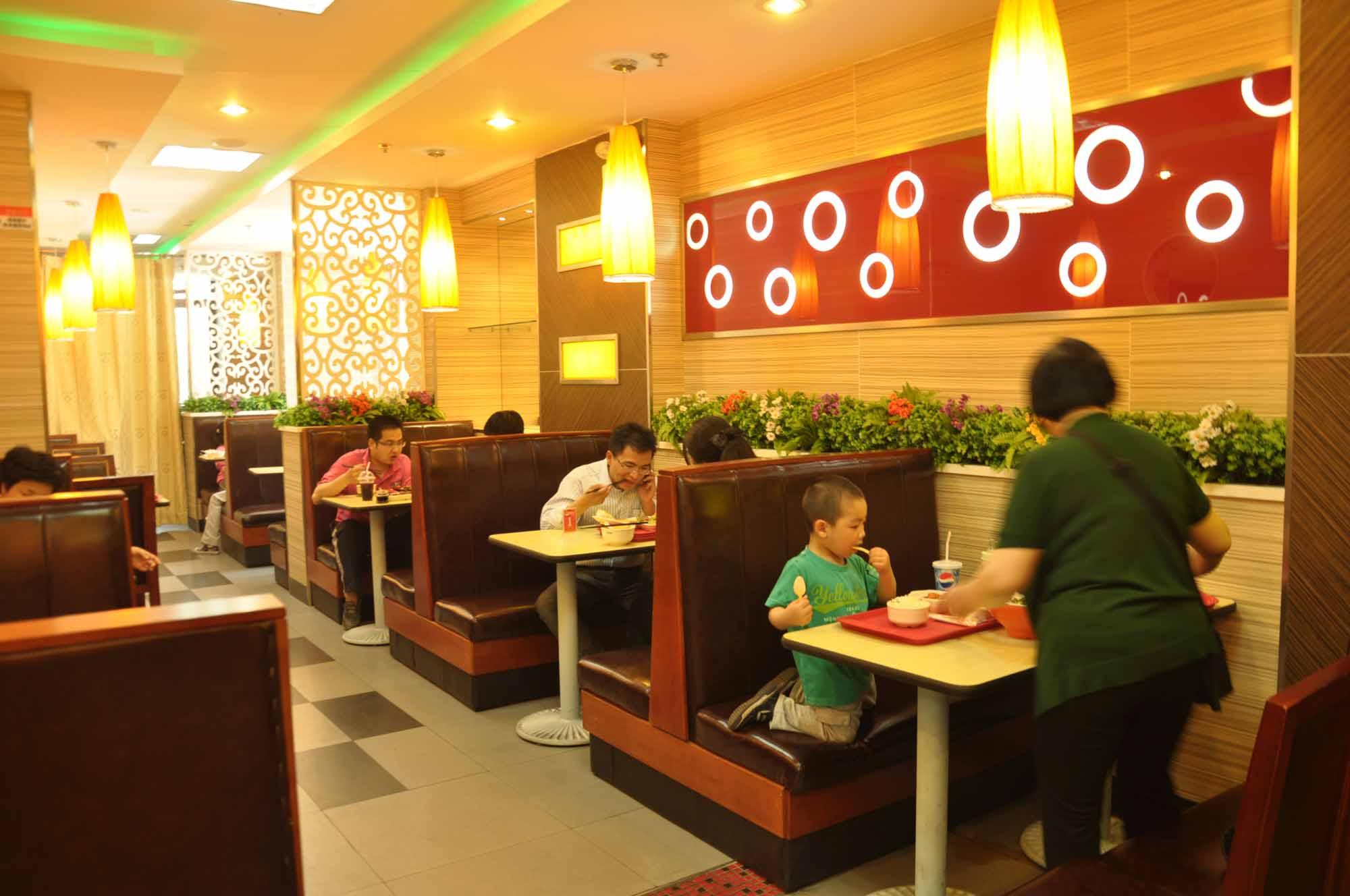 愉筷产品分为十大系列共百多款菜品:中式套餐类,西式套餐类,特色香图片