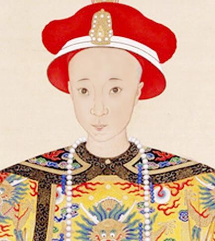 清朝皇后住在家里吃饭时 母亲站在一旁侍候她图片