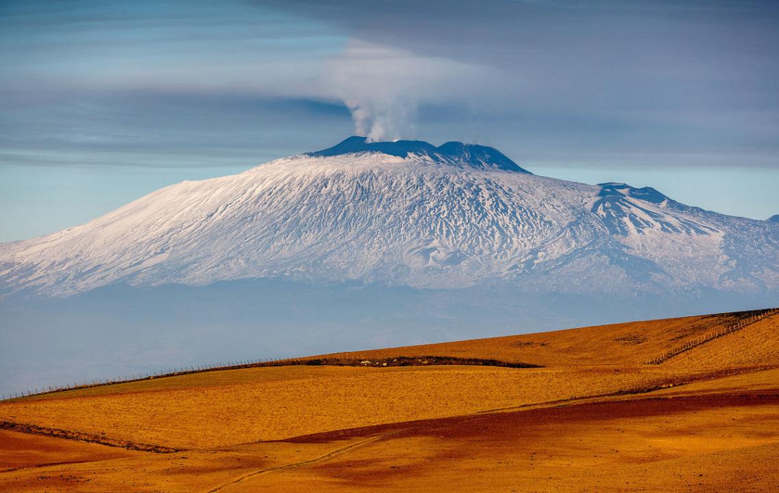 入地_欧洲最危险火山爆发危机:正缓缓滑入地中海,或引发毁灭性海啸!