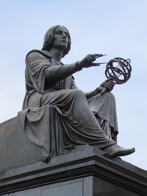 哥白尼的雕塑像