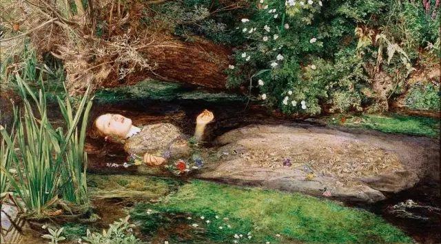 这幅画作描绘了奥菲莉娅之死,它由英国拉斐尔前派画家约翰·埃弗雷特