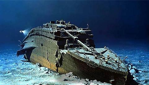 """考察队员们发现了导致""""泰坦尼克号""""沉没重要细节.图片"""