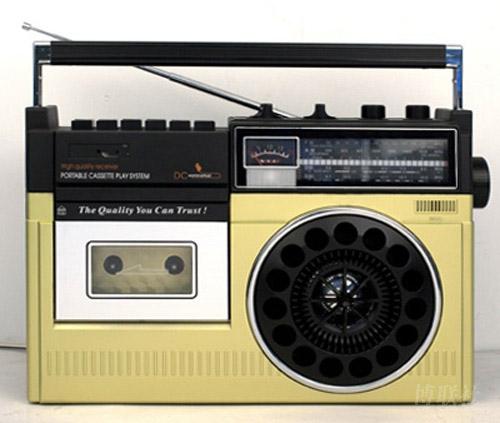 单喇叭收录音机; 更 精巧 的盒式 录音 机 便携 机; 磁性录音图片