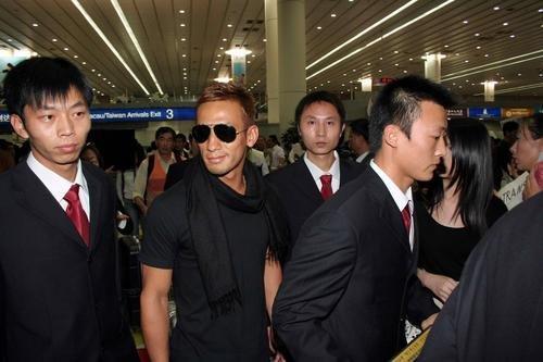 超级保镖是2006年11月3日在香港上映的一部动作电影