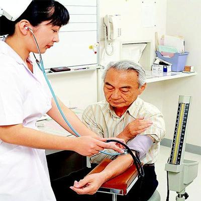 有哪些常见的引起继发性高血压的原因?