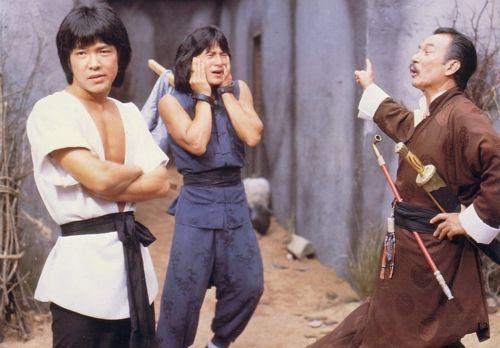 《黄飞鸿》,饰演梁宽,以及《新碧血剑》,《六指琴魔》,《黄飞鸿之图片
