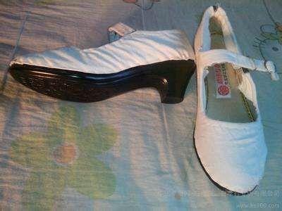 白孝鞋图片