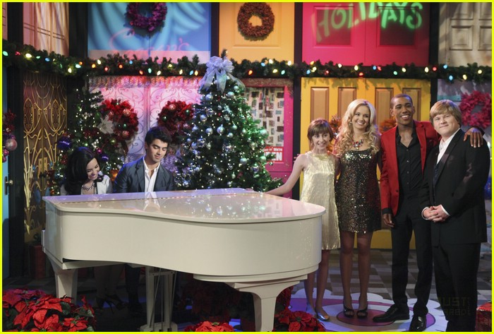 Can someone please post the lyrics that was sung on Sonny ...