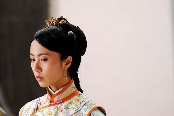 赵宦娘是一位千金小姐,爱上当红小生温如春,温如春才华横溢,戏班班主