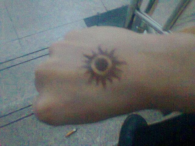 表示不喜欢纹身 回复 我说是小魔女图片