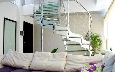 复式居室楼梯的日常保养诀窍图片