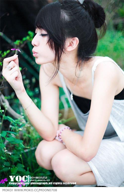 『℡ミ﹏ 唯、美』 求图 我要拿花的唯美女生