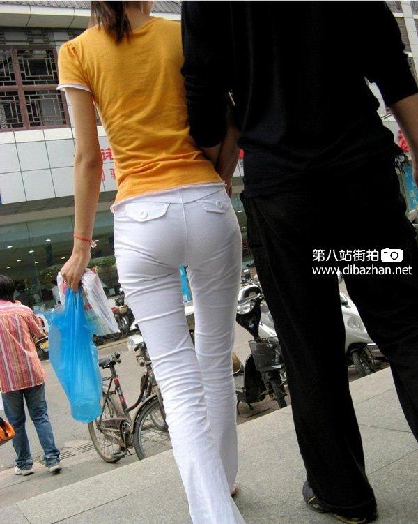 紧身牛仔裤美女 白色紧身裤吧