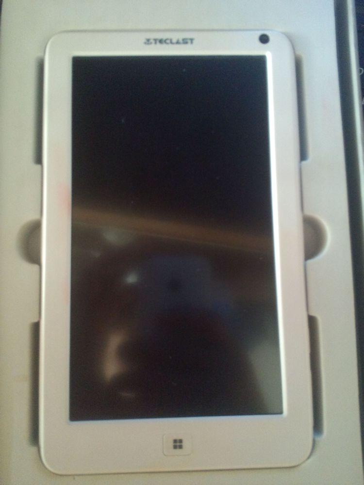 全新平板电脑低价出售       200元出手,井冈山大学梧桐树下