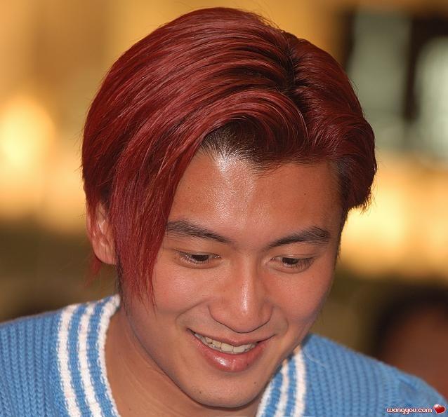 霆锋酒红色发型!头发少贵妇发型编发图片