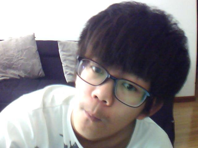 17岁真人帅哥照片 真人帅哥校草17岁 非主流帅哥真人照17岁图片