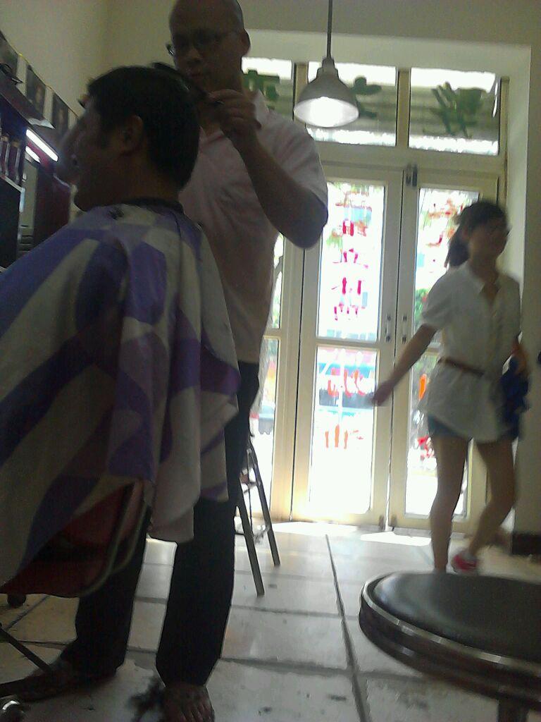 理发店有个美女 涿州吧