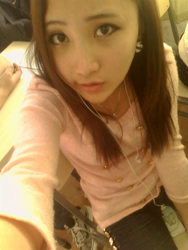 柳州美女学生的照片 来宾有如此美女的也飘出来吧