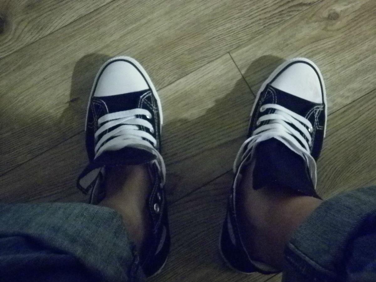 穿帆布鞋可以不穿袜子么?