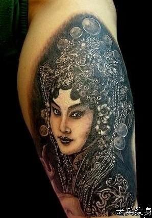 因为感觉花旦头顶部分可以遮盖住你以前那纹身到处扭图片