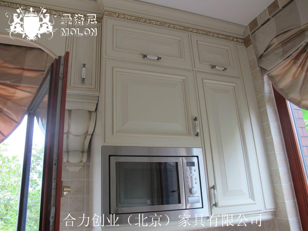专业高档护墙板,原木护墙板,墙裙,欧式线条,白色混油护墙板图片