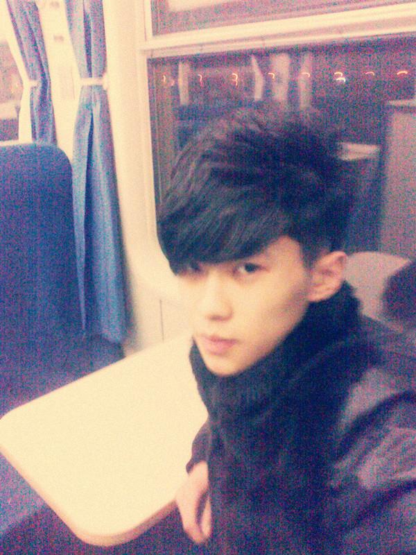 还是韩国语系的帅哥美女多嗄@所有吧友