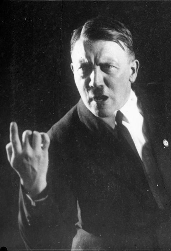 希特勒高清照片_希特勒珍贵 照片 ( 高清 无水印)