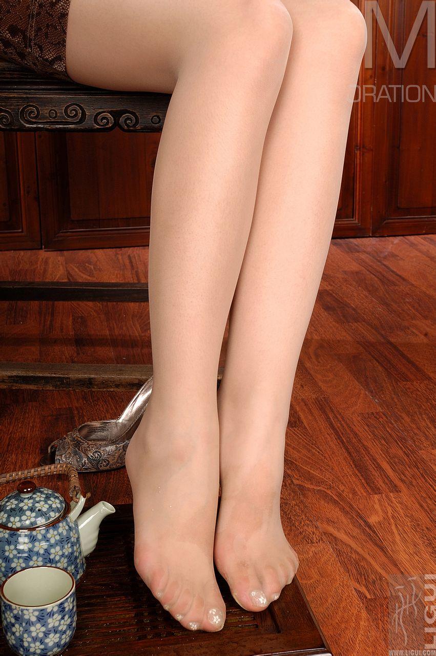 丽柜肉色丝脚