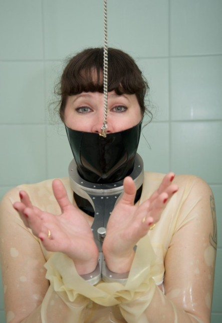 鼻环吧/女人给我戴鼻环变装/鼻环吧