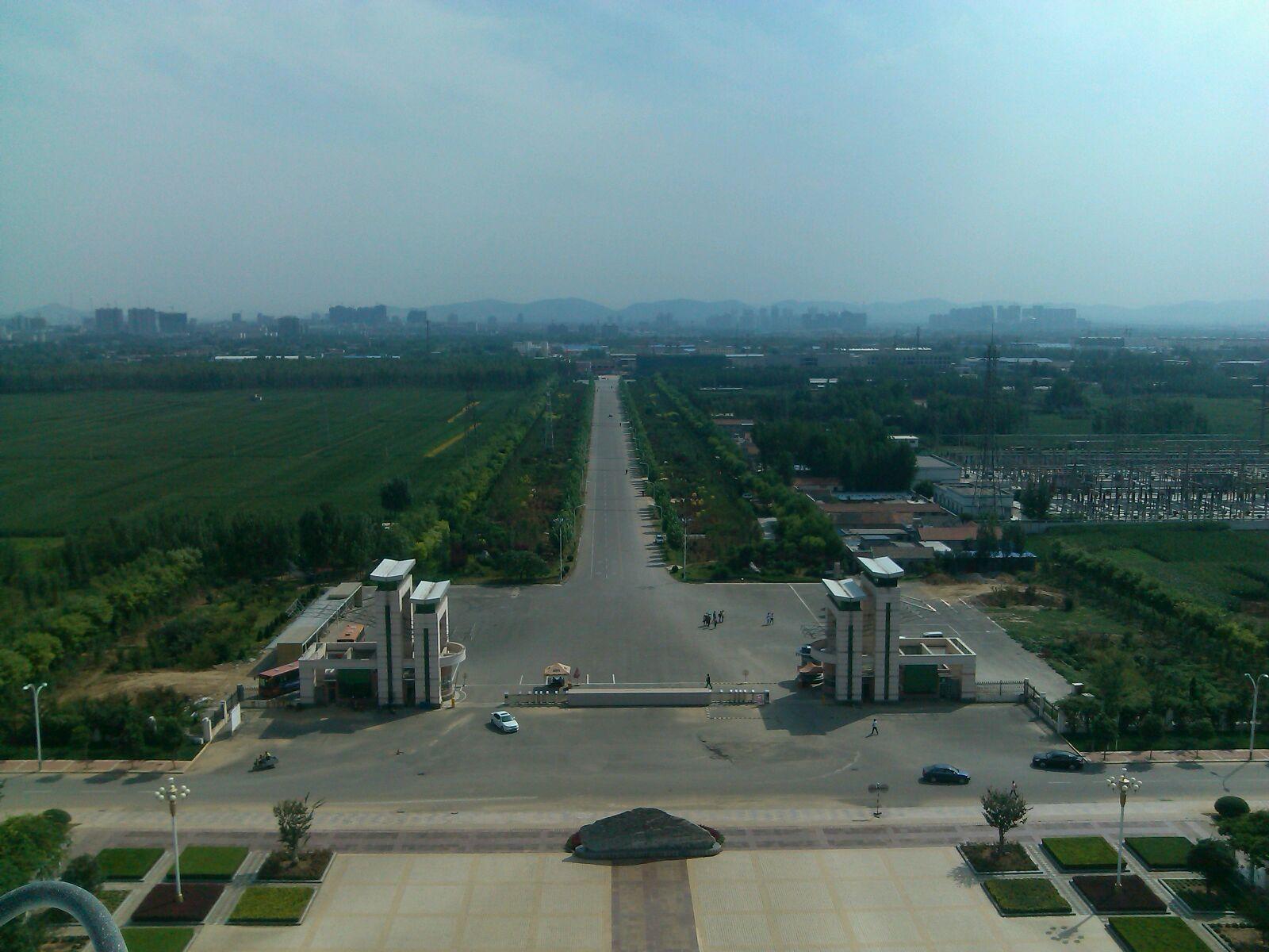枣庄学院大门标准正方向 高清图片