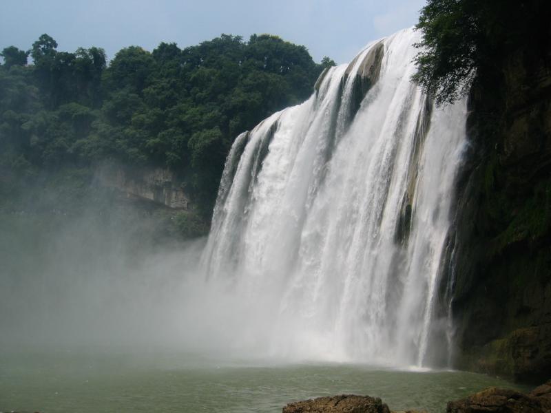 瀑布群,列入世界吉尼斯记录.黄果树大瀑布是黄果树瀑布群中高清图片