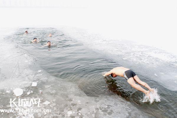 白洋淀冬泳
