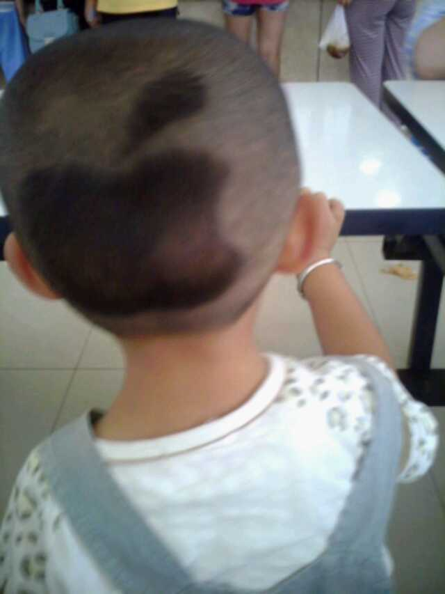 想给宝宝头顶剪个苹果发型,请问什么级别的理发师会剪图片