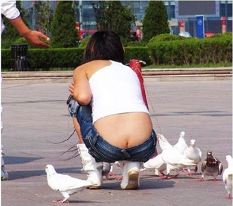 女人的露腚低腰裤 为谁穿?