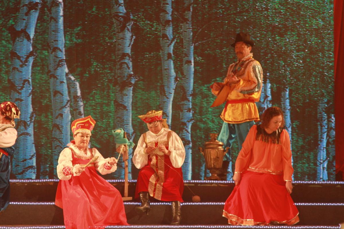春节联欢晚会2012_2012年额尔古纳春节联欢晚会图片