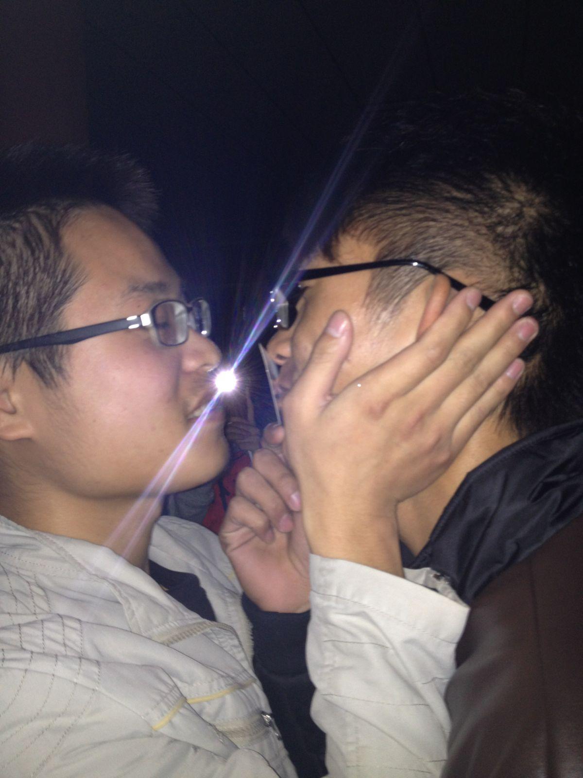 的肚子搞大了 宋林案锁定新老虎 江西土豪炫富吸人奶 2015乡村医生