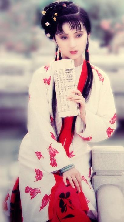 古装剧红衣女子图片