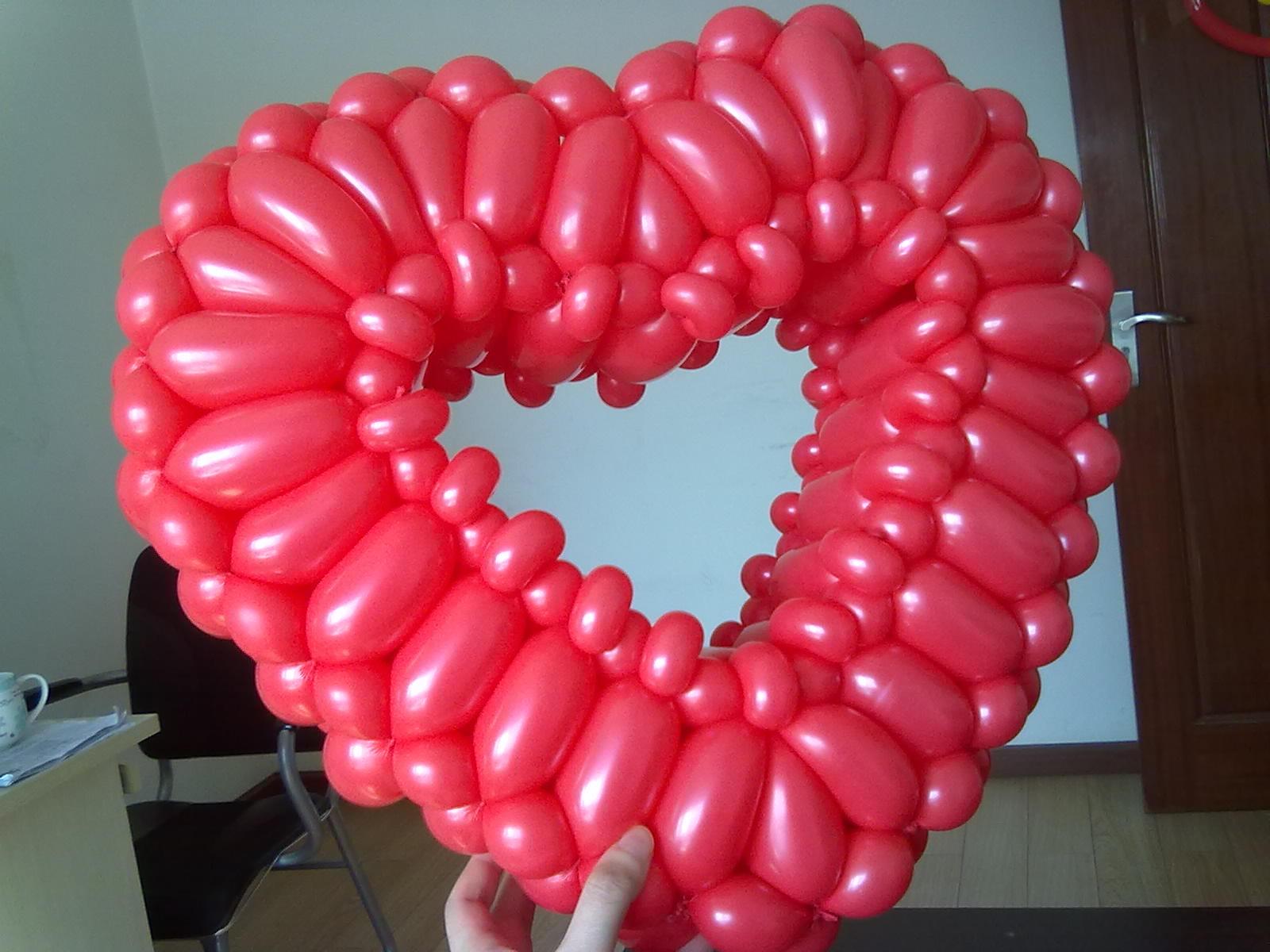 情人节的气球玫瑰,你会不会要图片