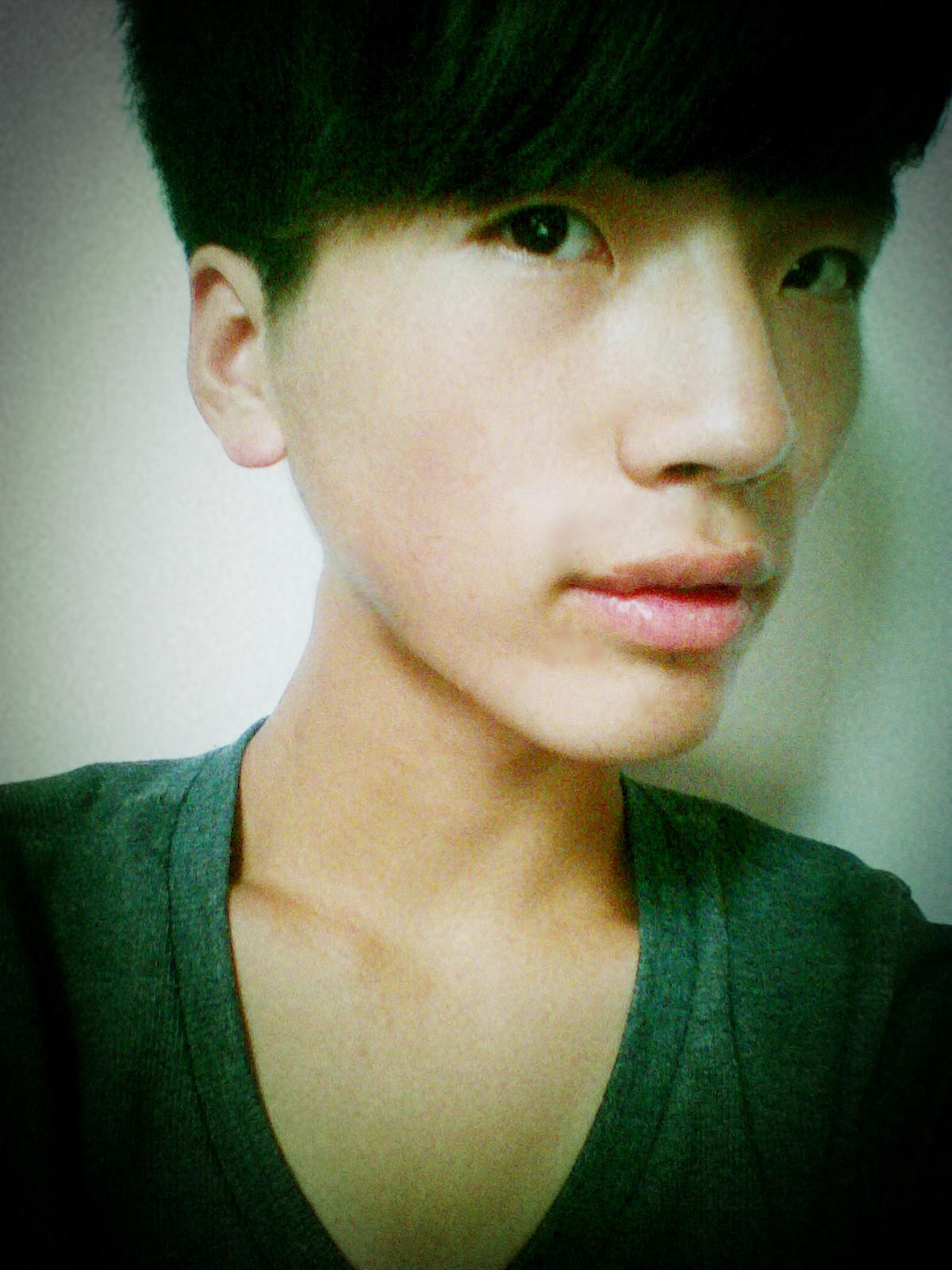 脸太瘦适合什么发型男分享展示图片