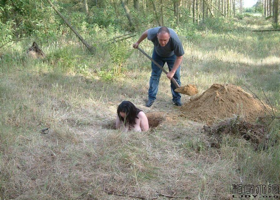 【啊龟】被活埋的女人额这不重口